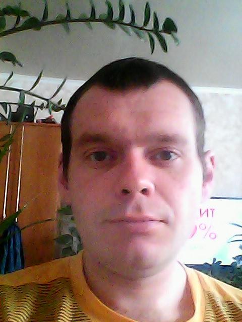 максим, Россия, Екатеринбург, 33 года. расскажу при общении.
