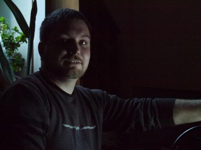 Владимир Колесников, Россия, Новочеркасск, 35 лет. О себе говорить нескромно)))))
