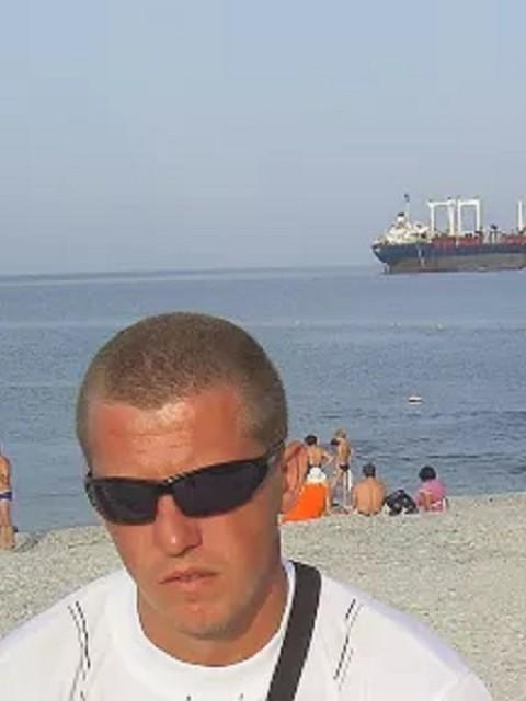 Владислав, Россия, Краснодар, 40 лет. Познакомлюсь для серьезных отношений и создания семьи.