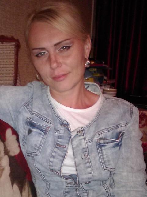 Светлана, Россия, Воронеж, 35 лет, 1 ребенок. Хочу найти мужчину, способного повторно влюбиться, не оглядываясь назад в прошлое(это нивкоем случае не про дет