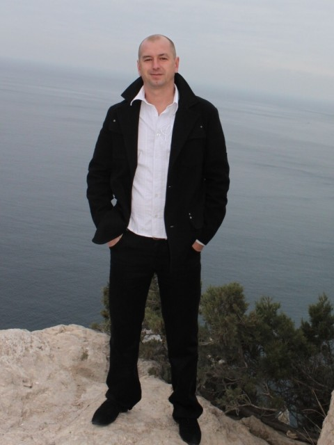 Андрей, Россия, Ялта, 43 года. Он ищет её: Возраст особо не важен. Не очень полную, хозяйственную и покладистую.
