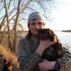 Филя - верный друг, был готов идти по болоту вслед и стоять под дождем на рыбалке...