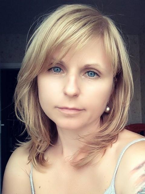 Екатерина, Беларусь, Минск, 36 лет, 3 ребенка. Врач-патологоанатом, вдова, от брака с покойным мужем 2 детей. 8 лет прожила в гражданском браке со