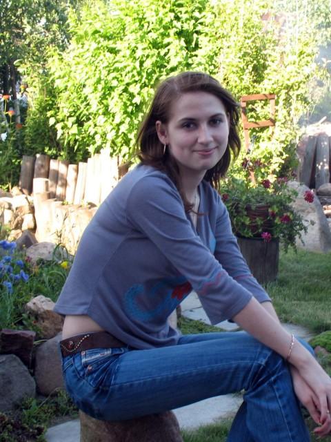 """Анна, Россия, Москва, 33 года, 1 ребенок. Активная участница клубов """" За женственность и прогресс"""", """" Антиборщ с бигудями"""""""