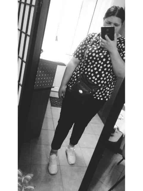 Екатерина, Россия, Воронеж, 20 лет. Хочу найти не пьющий, желательно не курящий.  Работает и рукастый 😊