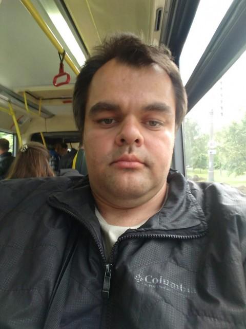Тим, Россия, Москва, 32 года. Знакомлюсь для семьи я,не пью не курю ищу  женщину в теле для создания семьи  ребёнок не помеха