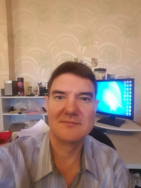 Андрей, Ташкент, 50 лет, 1 ребенок. Хочу найти Взаимопонимающего человечка, умеющую ухаживать за собой и своей любящей половинкой