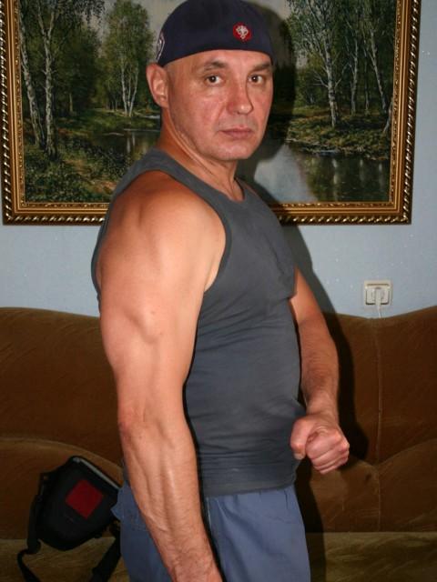 Эдуард, Казахстан, Текели, 47 лет. Хочу найти Добрую, порядочную, милую! Которая тоже любит спорт. Любит путешествовать, горы, природа, вода!