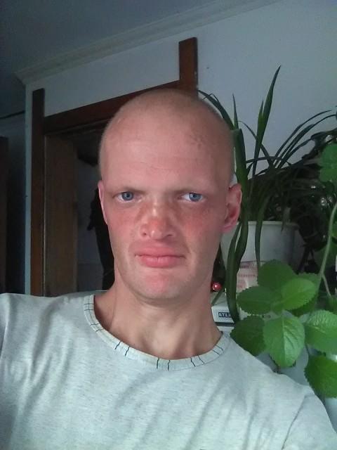 Dmitriy, Беларусь, Витебск, 33 года. Справедливый , немного строг, отвечаю взаимностью . Не люблю измен и предательство ...