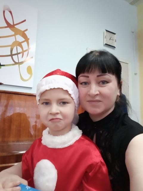 Мария, Россия, Ижевск, 39 лет, 3 ребенка. Хочу найти мужчину, знающего ценности семьи.