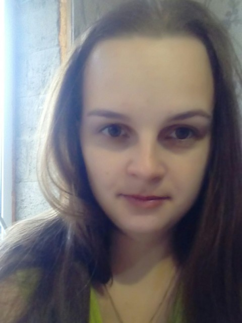 Елена Лиханова, Россия, Урень, 24 года, 1 ребенок. Добрая, отзывчивая, верная, честная. По клубам не хожу, там делать нечего. Люблю детишек)
