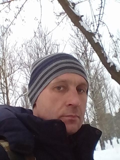 Виталий, Беларусь, Гомель, 37 лет. Хочу найти Добрую, с чувством юмора, уважающую, живущую реальной жизнью в реальном мире.