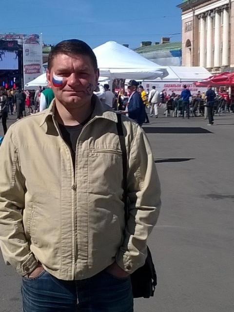 Руслан, Россия, Санкт-Петербург, 39 лет, 1 ребенок. Мужчина в рассвете сил. Славянской внешности, обычного телосложения. Люблю кино машины, природу. Ищу