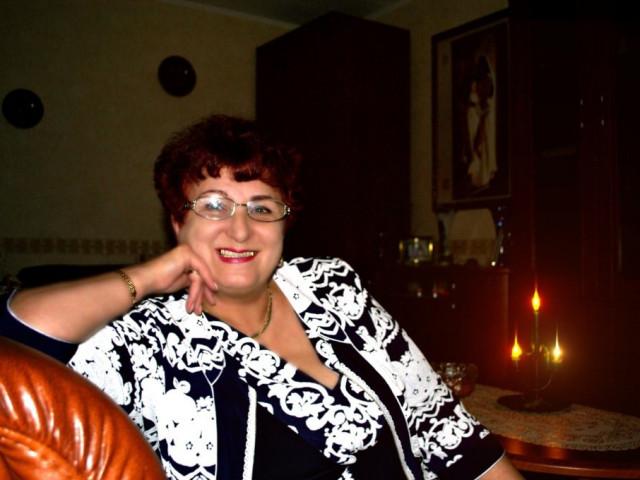 Валентина, Россия, г. Бородино (Красноярский край), 58 лет. Хочу найти Доброго , надежного , с чувством юмора .