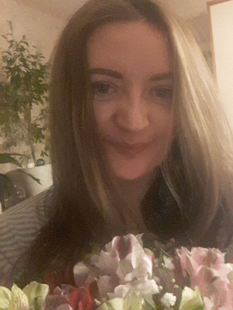 Ольга, Россия, Москва, 38 лет. Она ищет его: ответственного, надежного, открытого, заботливого, с чувством юмора, любящего движение, жизнь и люде