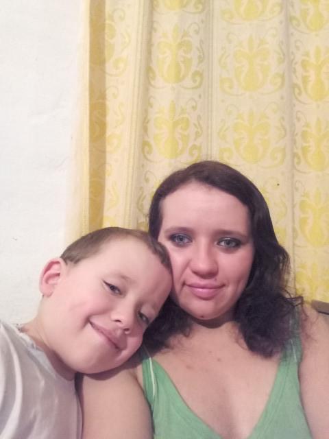 Виалетта, Украина, Лозовая, 25 лет, 1 ребенок. Хочу найти Чтобы уважал меня и моего ребёнка .