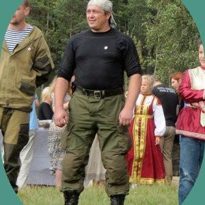 Саша, Россия, Санкт-Петербург, 43 года. Хочу найти Свою ненаглядную. Не потерявшую веру в светлое будущее  и идущую к нему, а не ждущую, пока оно само