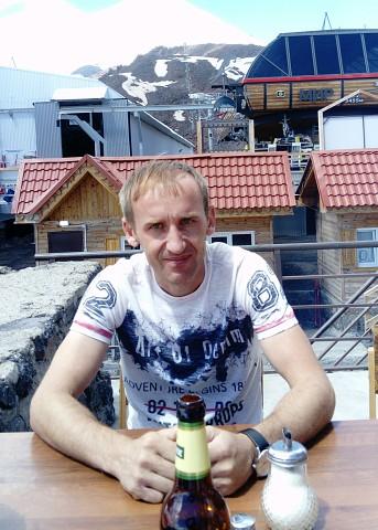 Михаил Кирпичев, Россия, Воронеж, 41 год