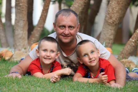 Олег, Россия, Москва, 51 год, 2 ребенка. Дети просят найти им хорошую и добрую маму.