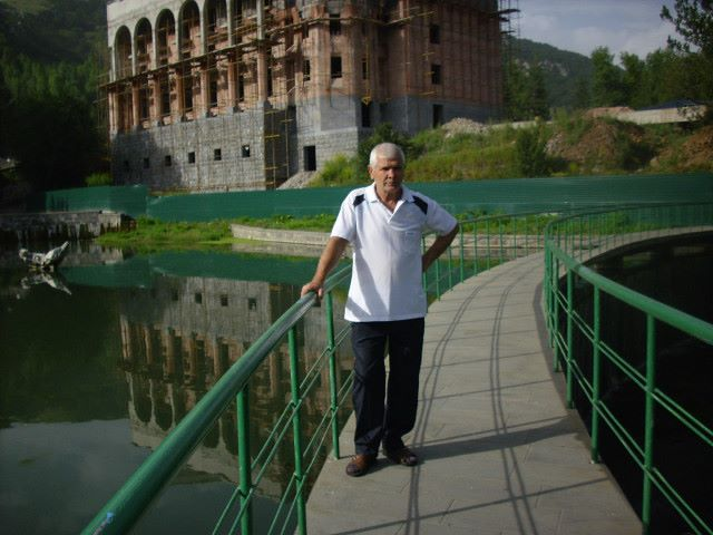 SUREN MINASYAN, Армения, Алаверди, 62 года