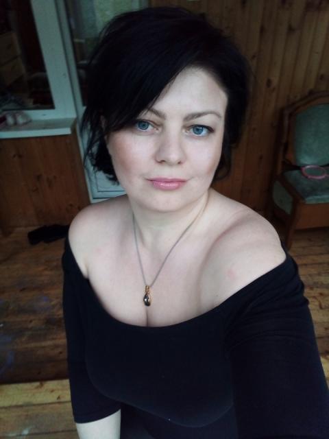 Татьяна, Россия, Москва, 45 лет, 3 ребенка. Хочу найти Доброго, чуткого, не зануду, спокойного, котрый хочет семейного счастья и любит детей.