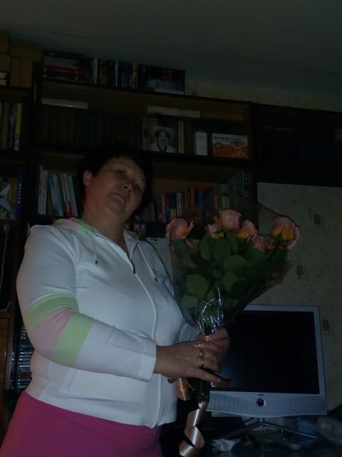 Валентина, Россия, Москва, 52 года, 2 ребенка. Хочу найти Порядочного, искренего, доброго, мужчинку.
