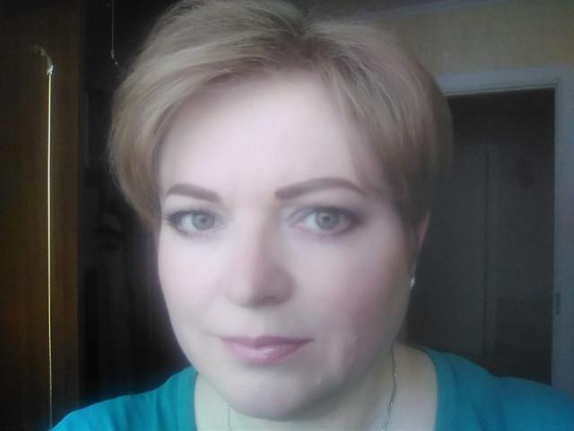 Юлия, Россия, Санкт-Петербург, 47 лет, 1 ребенок. Она ищет его: В меру спортивного Работающего Думающего Любящего детей Увлекающегося С,, руками,,  Веселого