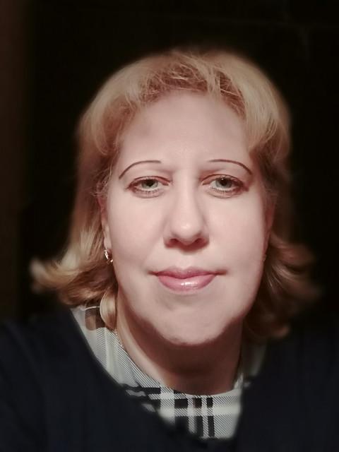 Ирина, Россия, Москва, 45 лет, 1 ребенок. Хочу найти Познакомлюсь с порядочным, добрым, с хорошим чувством юмора, с серьёзными намерениями мужчиной от 45