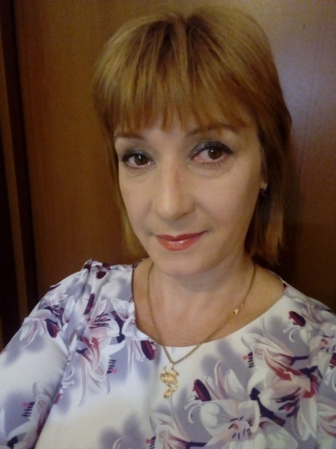 Алёна, Россия, Москва, 49 лет, 1 ребенок. Надеюсь встретить того единственного,  (50-65 лет без жил. и мат. проблем),   что бы прожить с ним