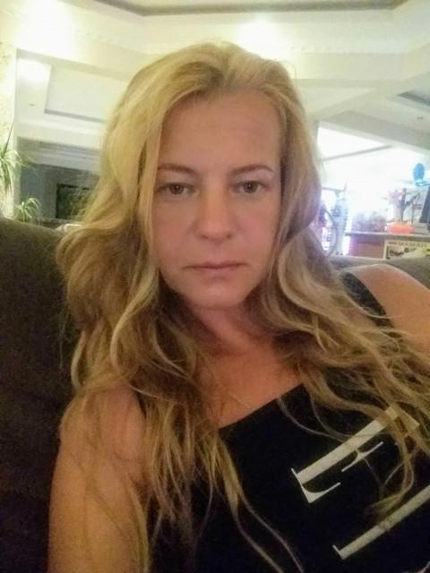 Svetlana, Россия, Санкт-Петербург, 40 лет, 1 ребенок. Она ищет его: С первого взгляда будет видно захочется ли дальнейшего общения.