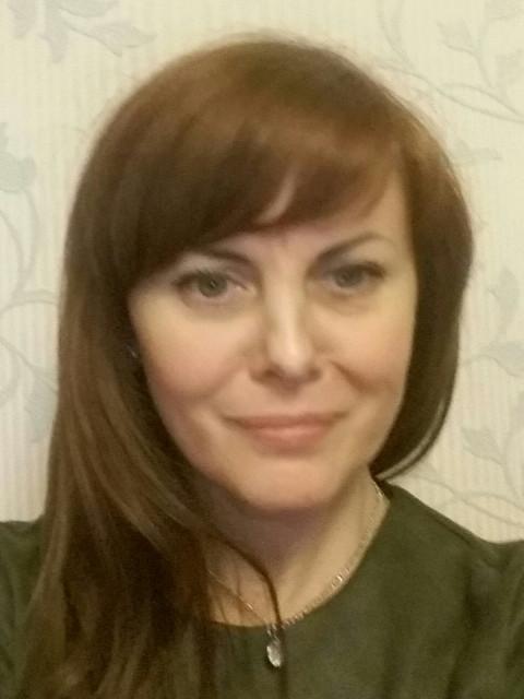 Алина, Россия, Москва, 46 лет, 1 ребенок. Обычная женщина,весёлая, доброжелательная, позитивная. Люблю порядок в доме, уют. Также очень люблю