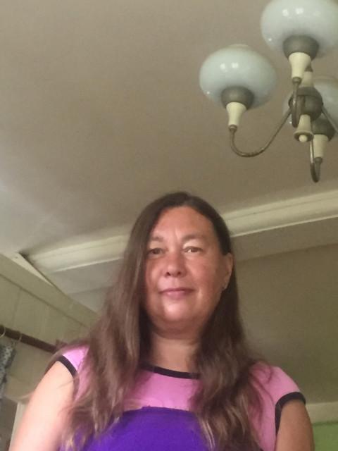Анна, Россия, Менделеево, 50 лет, 2 ребенка. Ищу мужчину для серьезных отношений.Вдова.Четверо детей:два сына и две дочки.Сыновья уже взрослые.Де