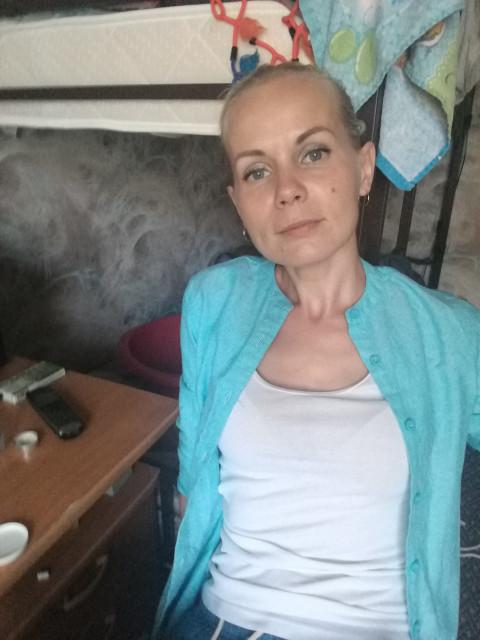 Евгения, Россия, Москва, 36 лет, 1 ребенок. Хочу найти С кем можно говорить обо всем. и кто не будет заставлять чувствовать меня ненужной. Кто будет опора