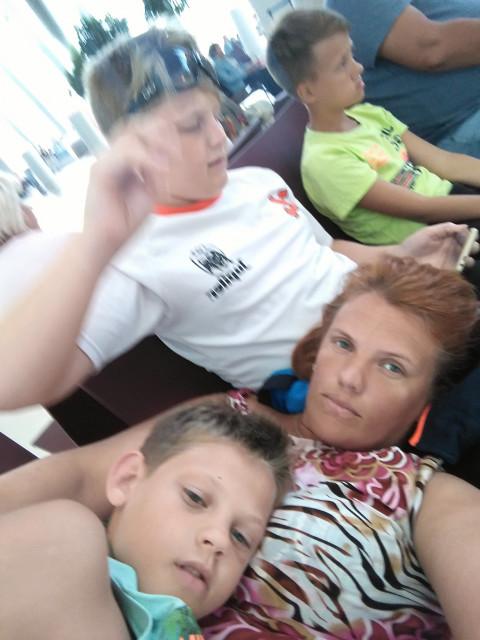 Анна, Россия, Ивангород, 37 лет, 2 ребенка. Хочу найти Доброго, общительного, домашнего