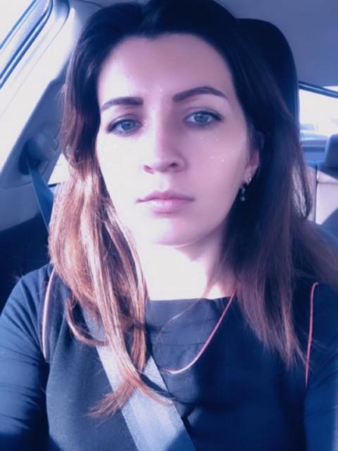 Анна, Россия, Москва, 33 года. Психолог. Изучаю семьи, где родитель воспитывает ребенка в одиночку. Занимаюсь коррекцией детско-род
