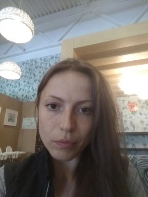 Виктория, Россия, Москва, 39 лет, 2 ребенка. Сразу пишу как есть-две девочки у меня, одна инвалид. Хочется общаться только с тем, кого это не пуг