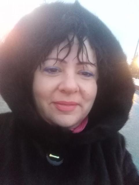 Евгения, Россия, Москва, 50 лет. Нормальная, приятная полнота. Познакомлюсь с высоким, порядочным мужчиной до 60 лет. У меня только к
