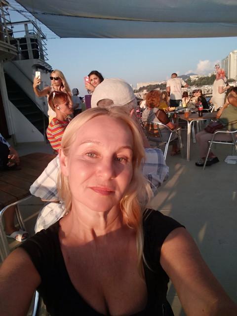 Ольга, Россия, Москва, 54 года. Хочу найти Который мне понравится., а я ему. Чтобы ему хватало средств меня баловать.