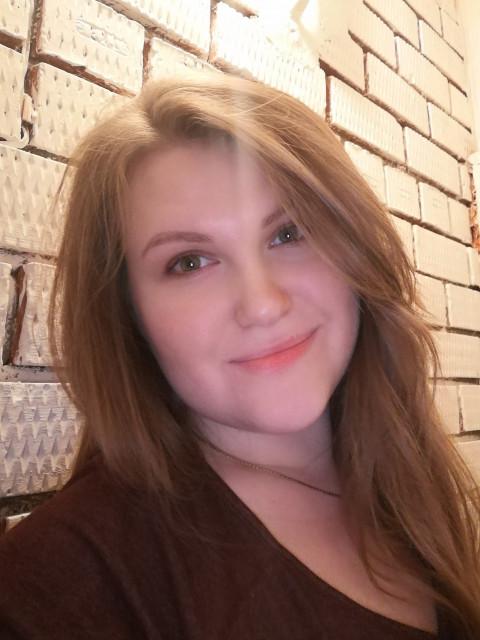 Виктория, Россия, Краснодар, 27 лет. Живу в небольшом городке около Краснодара. Детей нет, но хотелось бы. Легко нахожу общий язык как со