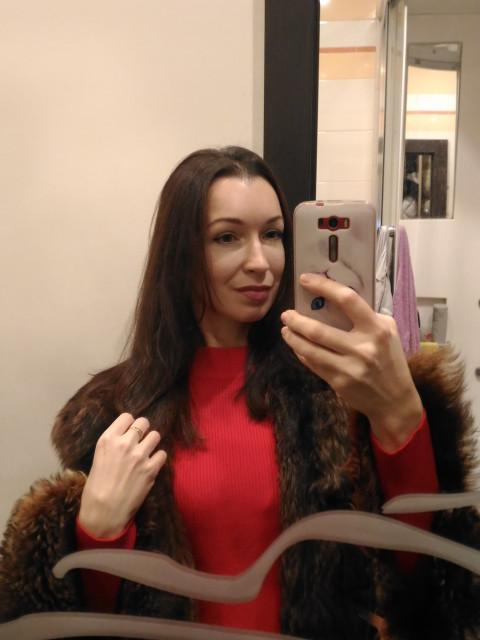 Марина, Россия, Санкт-Петербург, 40 лет, 2 ребенка. Она ищет его: Доброго, порядочного, подтянутого, состоявшегося.