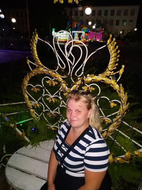 Валентина, Россия, Балашиха, 37 лет, 4 ребенка. Хочу найти Без вредных привычек, порядочного, доброго, любящего с харизмой и просто хорошого человека), хотя на