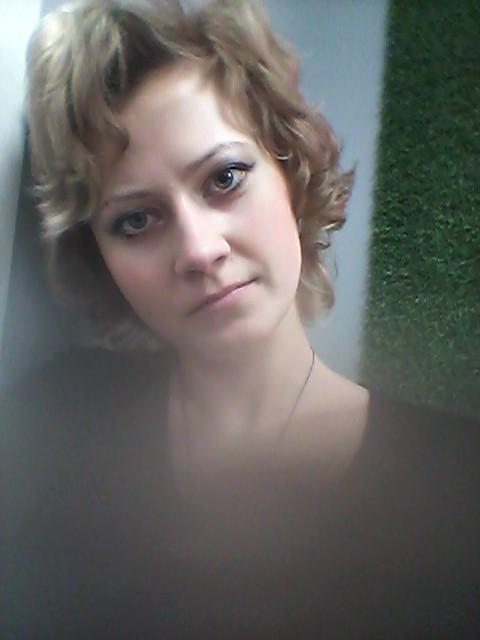 Оксана, Россия, Ростов-на-Дону, 28 лет. Хочу найти Оооооо. Еще не знаю. Но представленья есть о идеале. Чтоб  речь была не быстрой. Глаза не бегали туд