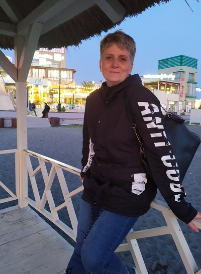 Марина, Россия, Санкт-Петербург, 45 лет, 3 ребенка. Счастливая мама 3 взрослых детей. Не хватает надежного мужского плеча рядом, хочу любить и быть люби