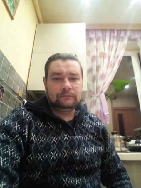 Михаил, Россия, Москва, 39 лет. Он ищет её: Веселую, в степень вредную и не выше 165 ростом.