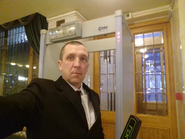 Aртем, Россия, Москва, 38 лет. Работаю охранником. Хочу встретить свою любимую.4343