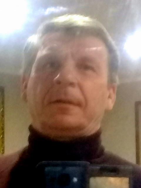 Андрей, Россия, Кондрово, 53 года. Он ищет её: Не монашку. простую общительную.