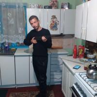 Виталик Тютюнник, Россия, Крымск, 31 год