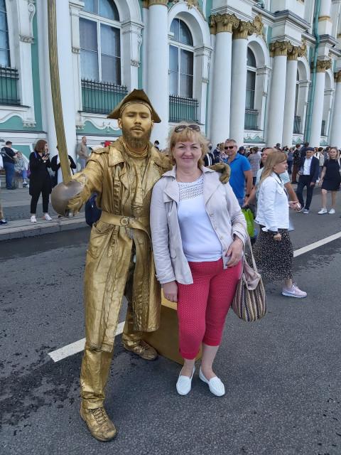 Лариса, Россия, Москва, 58 лет, 1 ребенок. В поиске серьезных отношений.Высшее образование,родом из Белоруссии.