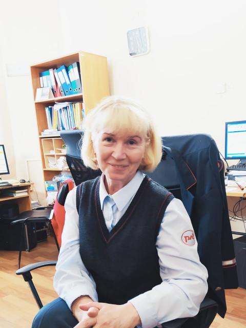 Алина, Россия, Колпино, 54 года. Она ищет его: Желаю познакомиться с порядочным мужчиной до 60 лет из Петербурга или Ленобласти для серьезных отнош