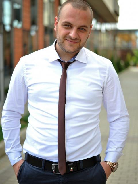 Виктор, Россия, Зеленокумск, 37 лет. Хочу найти добрую любящую девушку 89064732100пишите вацап